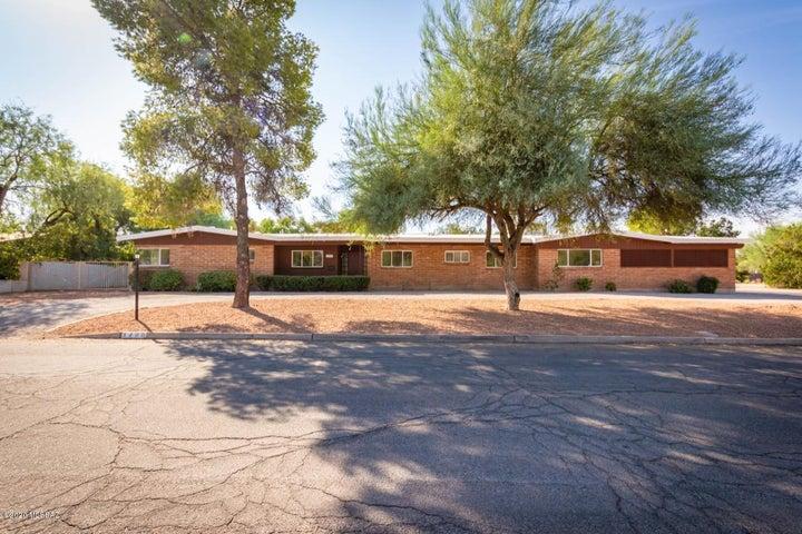 660 N Camino Miramonte, Tucson, AZ 85716