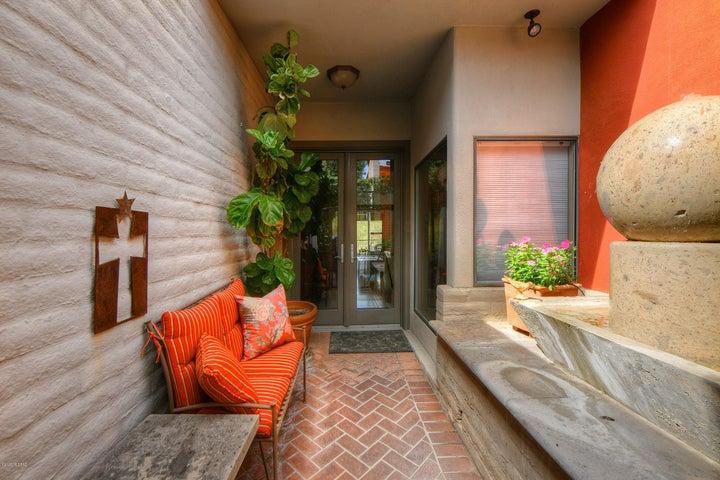 1961 E Campbell Terrace, Tucson, AZ 85718