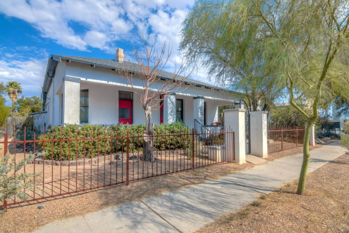 705 S 6th Avenue, Tucson, AZ 85701