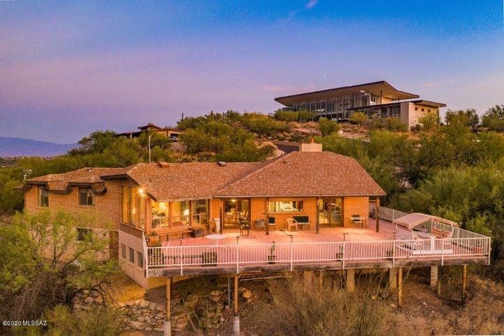 7025 N Finger Rock Place, Tucson, AZ 85718