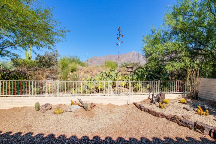 3891 E Calle Cayo, Tucson, AZ 85718