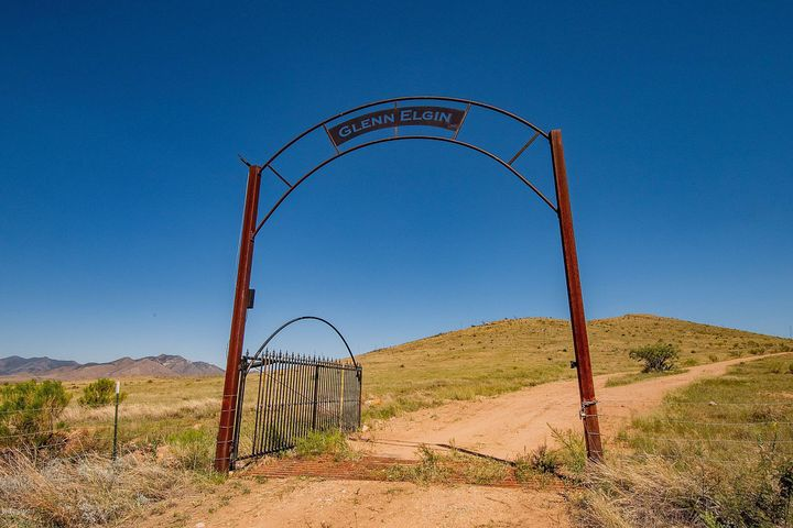 369 Upper Elgin Road, Elgin, AZ 85611