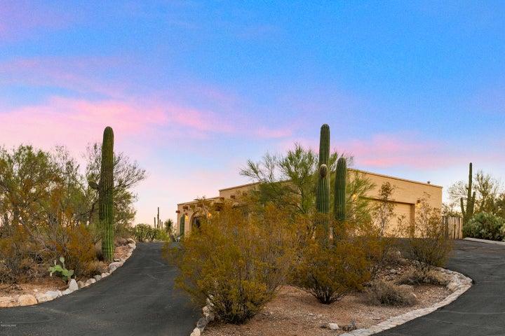 1350 E Via Soledad, Tucson, AZ 85718