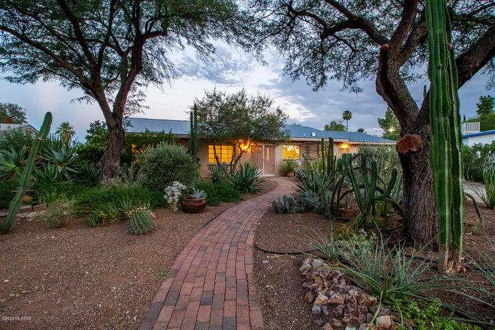 2811 E Lisbon Place, Tucson, AZ 85716