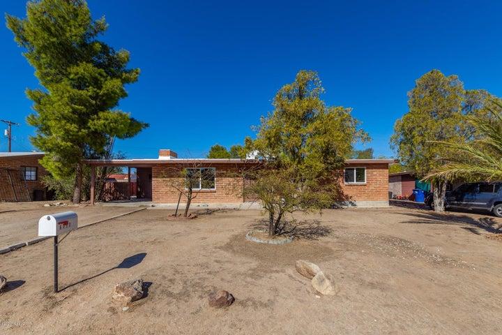 6717 E Calle Marte, Tucson, AZ 85710