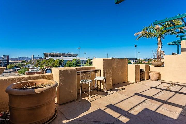 Patio/Balcony views of UofA