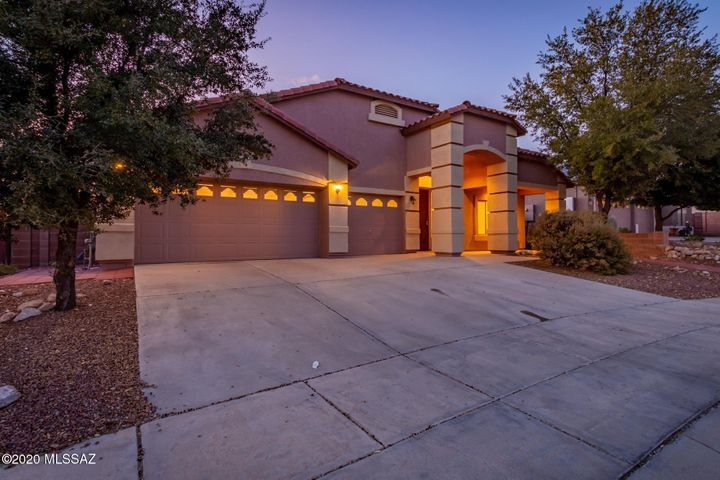 5149 N Pelican River Way, Tucson, AZ 85718