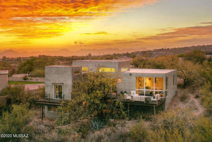 Stunning Contemporary with Amazing Views