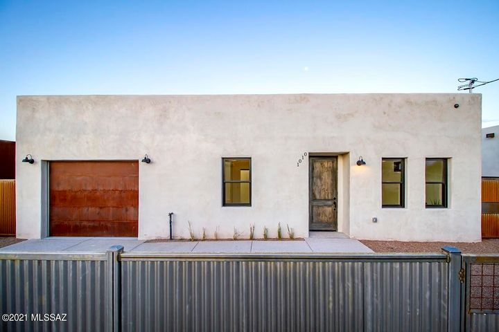 1010 S Russell Avenue, Tucson, AZ 85701