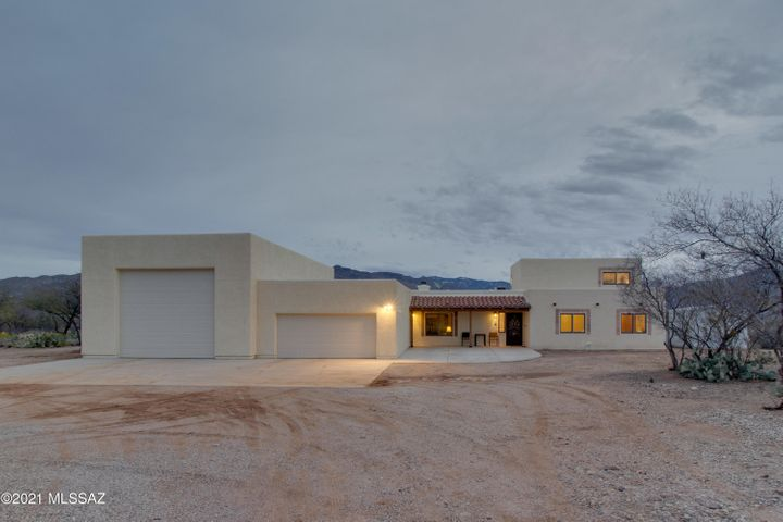 7301 S Camino Mirlo, Tucson, AZ 85747