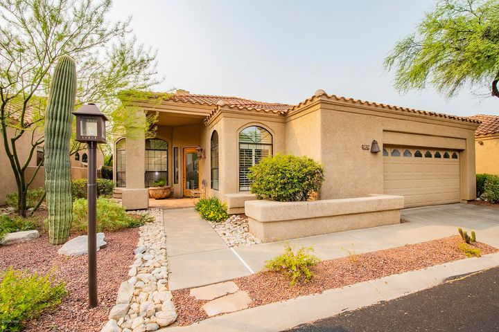 5829 N Golden Eagle Drive, Tucson, AZ 85750