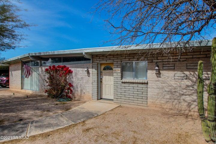 8821 E Lee Street, Tucson, AZ 85715