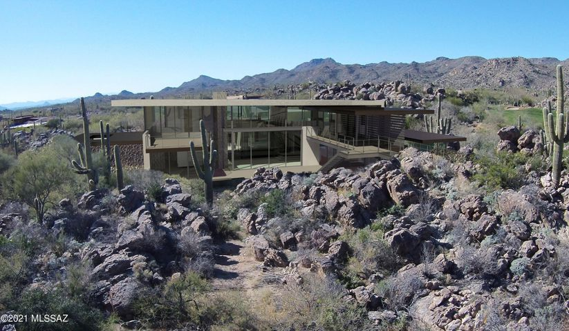 14555 N Blazing Canyon Drive, Oro Valley, AZ 85755