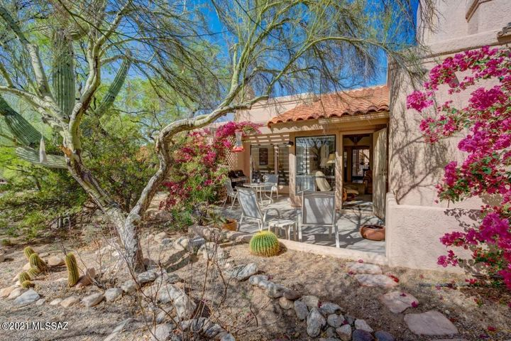 Two bedroom, 1 bath Villa with large private patio.