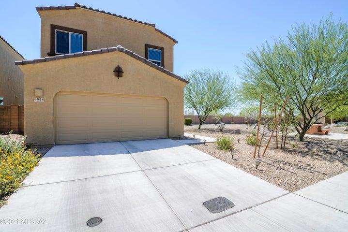 8858 E Abrams Loop, Tucson, AZ 85710