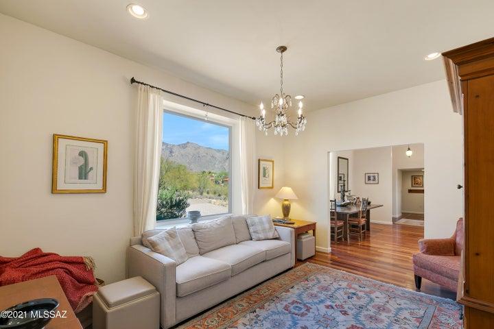 6131 N Piedra Seca, Tucson, AZ 85718