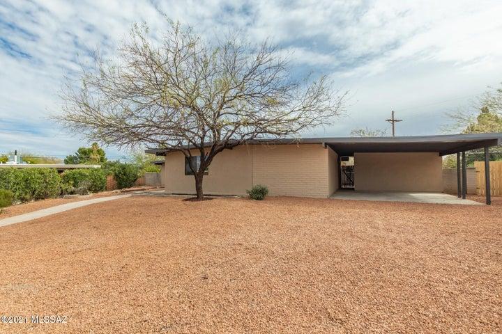 8856 E Calle Playa, Tucson, AZ 85715