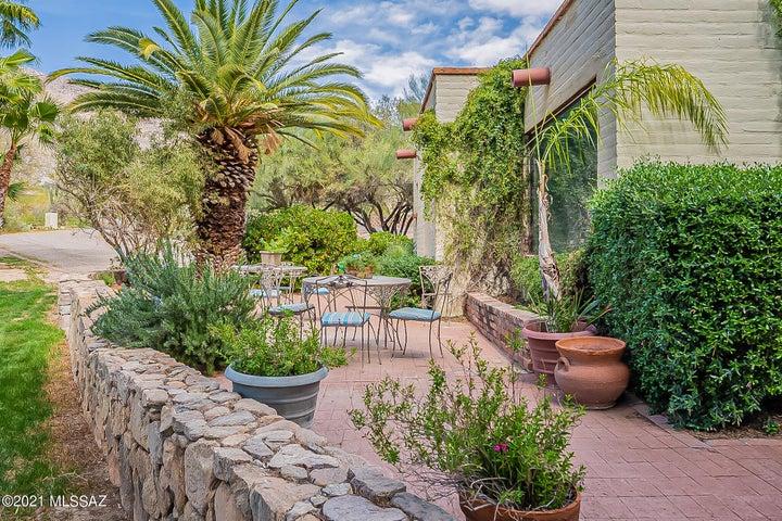 5217 E Mission Hill Drive, Tucson, AZ 85718