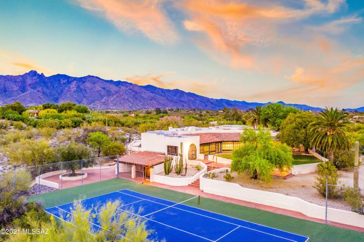 Former Residence of Lee Marvin and Mo Udall. This historic Joesler in a Prime Tucson Location sits on 5.32 pristine acres.