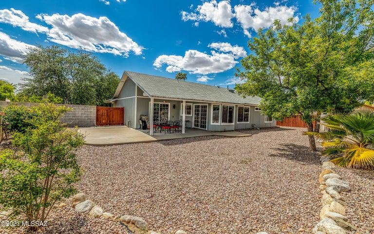 9732 N Clela Place, Tucson, AZ 85737