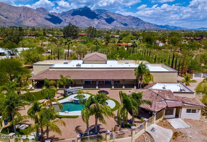 6675 N Casas Adobes Road, Tucson, AZ 85704