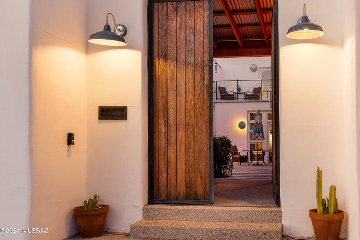Enter through to the front door.