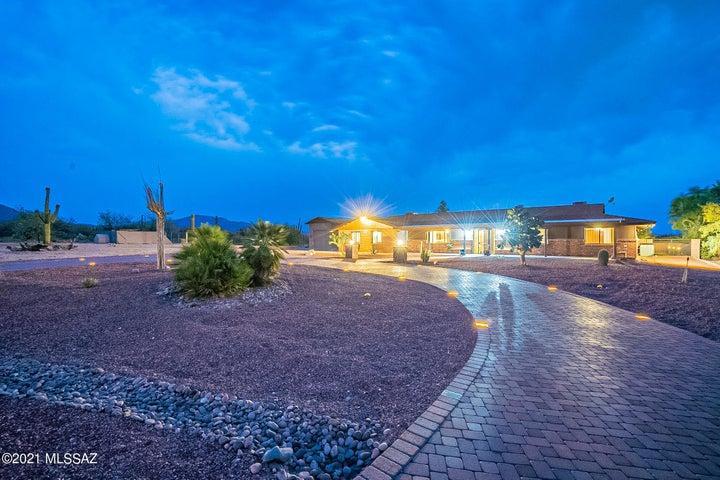 10180 E Cadillac Lane, Tucson, AZ 85749