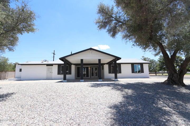 8400 E Malvern Place, Tucson, AZ 85710