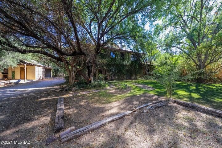 1942 N Tanque Verde Loop, Tucson, AZ 85749