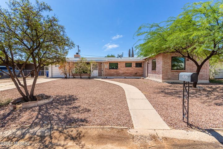 1233 S Avenida Sirio, Tucson, AZ 85710