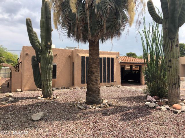 1017 E West Circle Drive, Tucson, AZ 85719