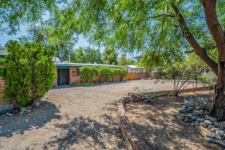 3050 N Tecumseh Court, Tucson, AZ 85715