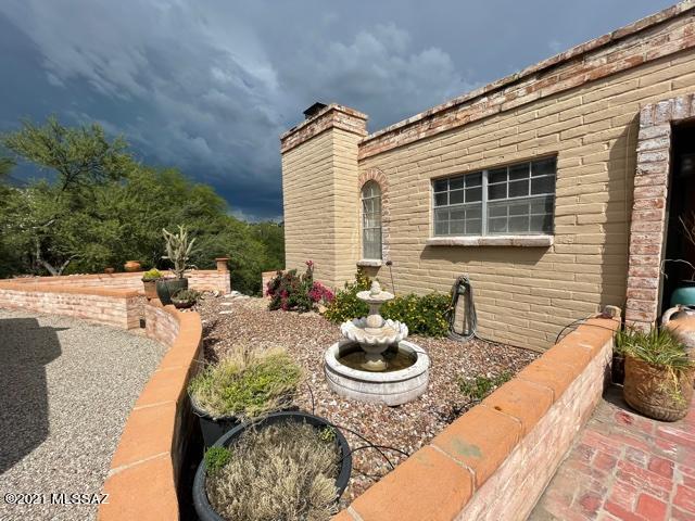 5852 N Camino Arizpe, Tucson, AZ 85718