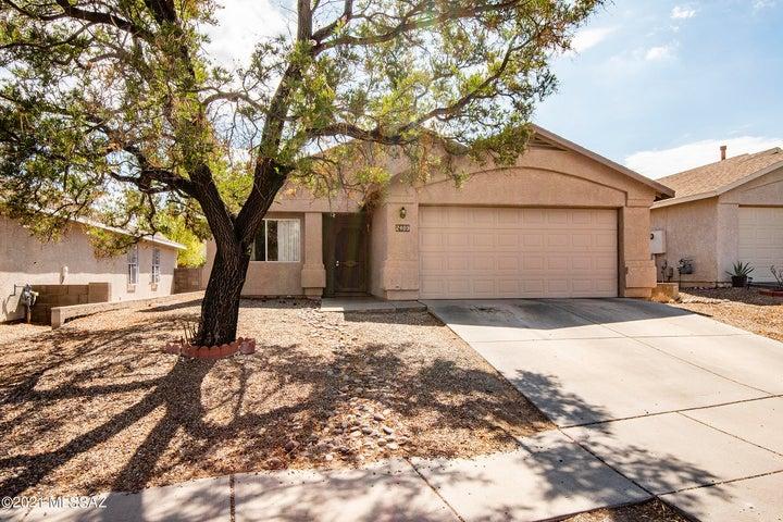 2409 S Saint Thomas Aquinas Drive, Tucson, AZ 85713
