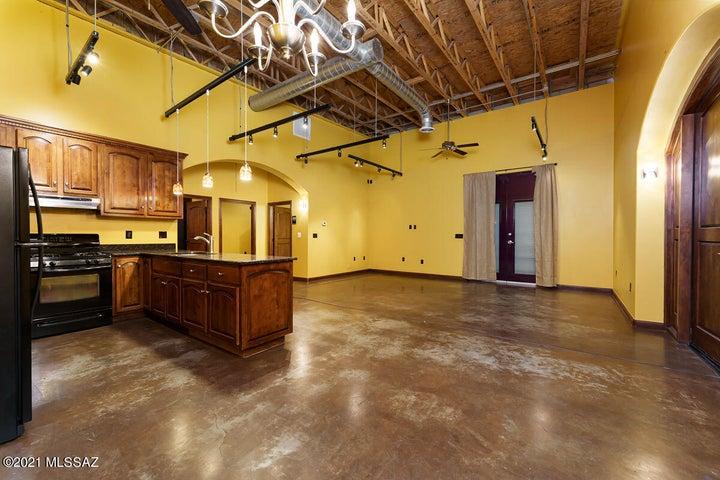 20 W 35th Street, South Tucson, AZ 85713