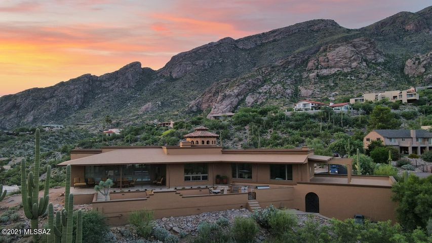 6835 N St. Andrews Drive, Tucson, AZ 85718