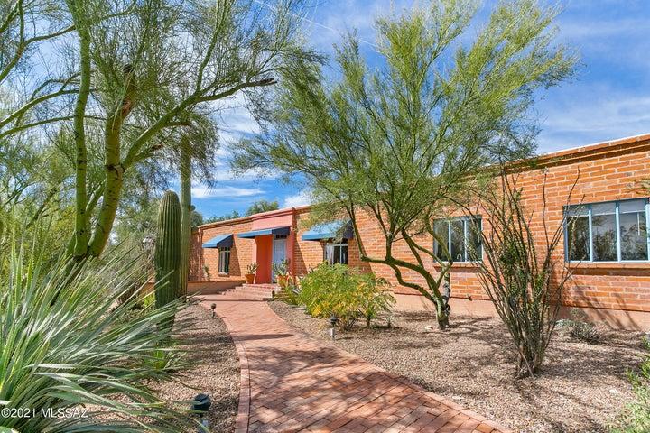 6145 N Mina Vista, Tucson, AZ 85718