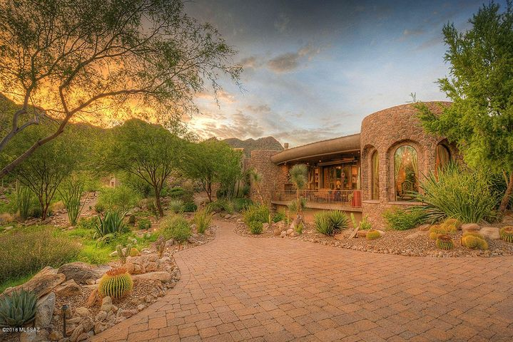 Tucson, AZ 4 Bedroom Home For Sale