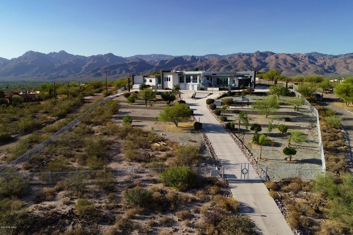 Tucson, AZ 5 Bedroom Home For Sale