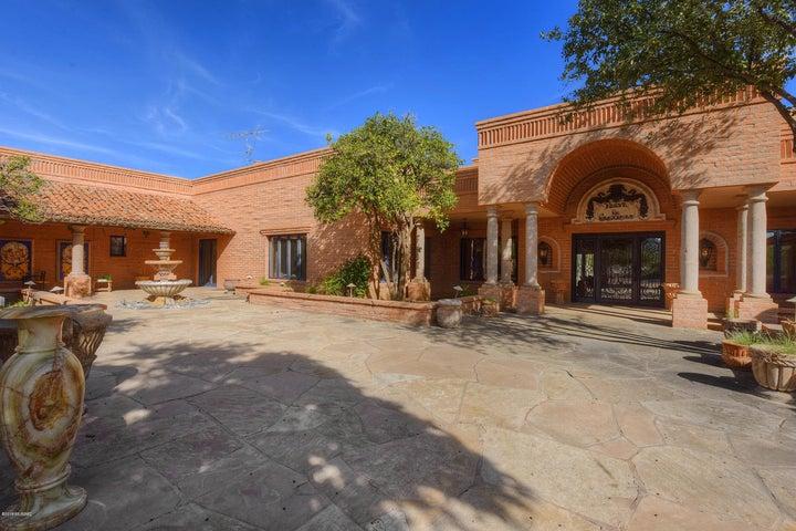 Tucson, AZ 9 Bedroom Home For Sale