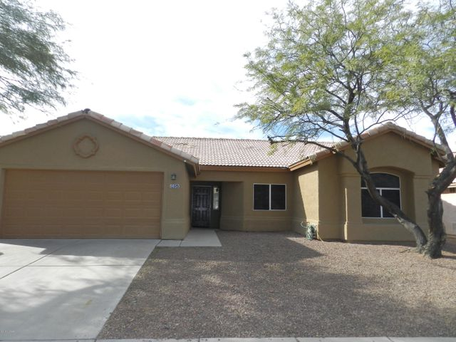 Continental Ranch - 4 Bedroom with 2 bath, living area and great room, all stainless steel appliances with gas cooking, and pantry closet, Laundry room with washer and dryer, easy care backyard, mature tree in front yard, 2 car garage, community pools, spa, and sports park. Convenient access to Interstate 10 and Twin Peaks Exit, schools, and shopping. Pets considered.