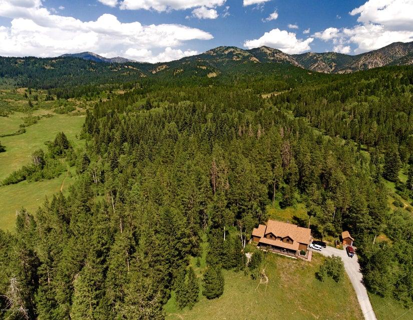 795 DELL CREEK RD, Alpine, WY 83128