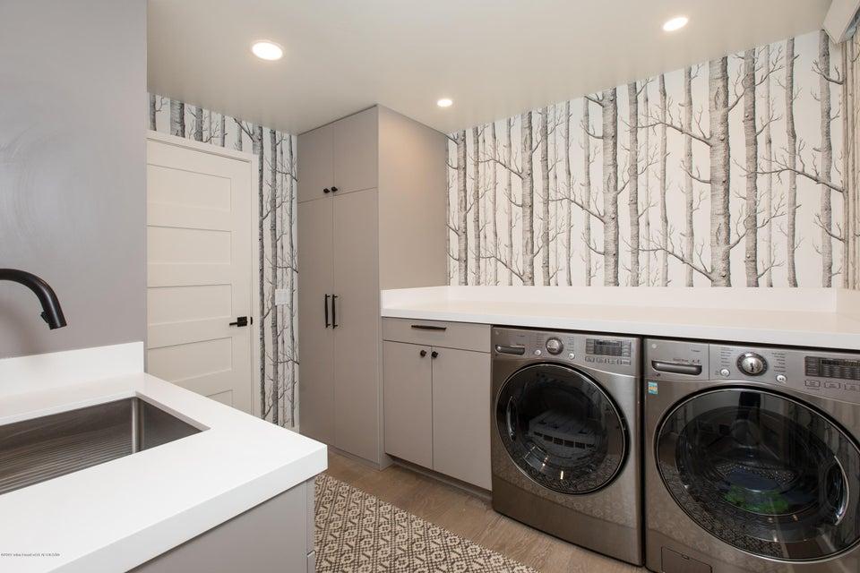 13 Laundry + Mud Room