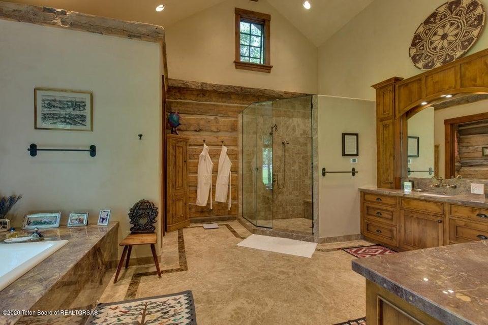 B6LYYR Kimball 10 - Master Bath