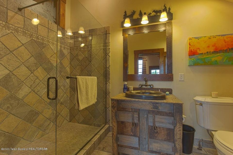 B6LYYR Kimball 22 - Upstairs Bath
