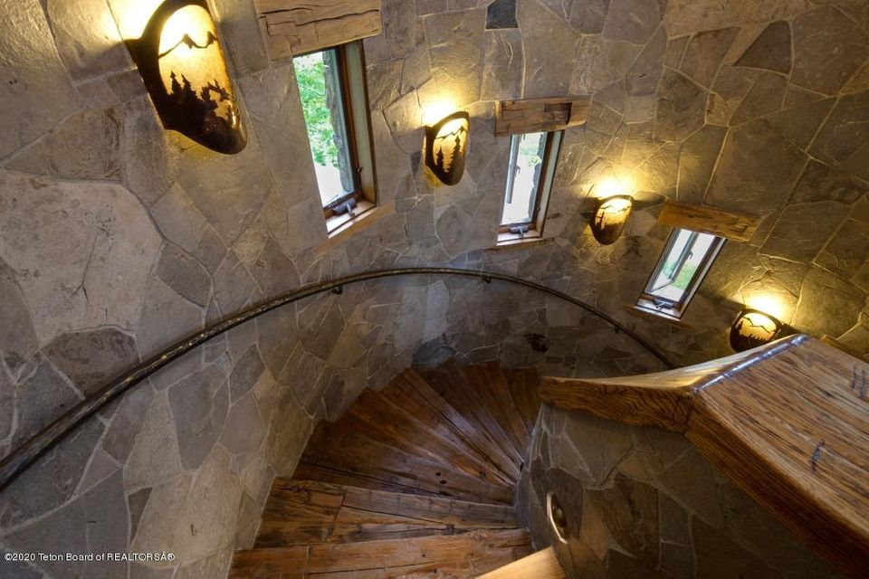 B6LYYR Kimball 26 - Stairs to Guest Hous