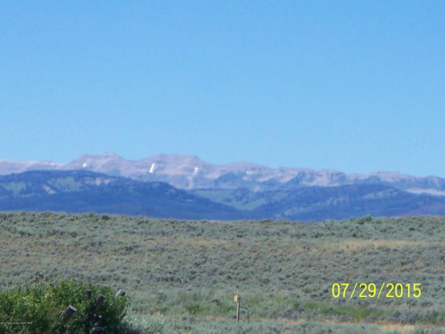 Magnificent Gros Ventre Mountains to the North. 360 Mountain Views!