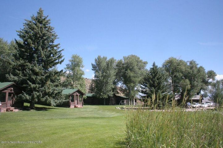 41 LITTLE WARM SPRINGS RD <br>Dubois, WY