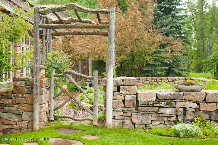 31 Summer Garden Gate