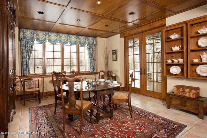 14 Breakfast Room
